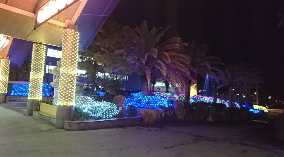LEDイルミネーション施工例 勝浦ホテルの入り口付近